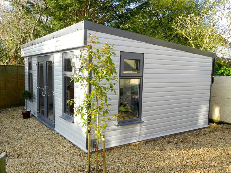 Quality timber office buildings and garden rooms really for Garden office buildings